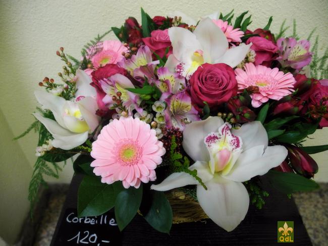 Rose ,Fleuron de Cymbidium , Alstromeria , Germini , Fleurs de Cire