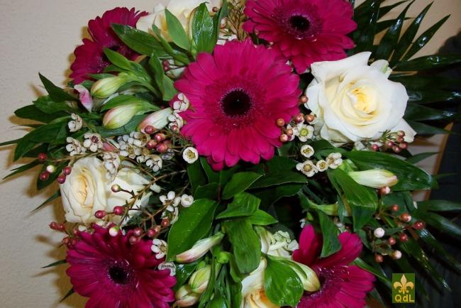 Rose ,Germini,Alstromeria , Fleurs de Cire